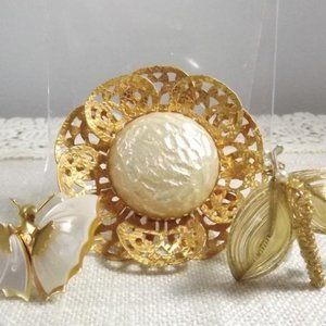 Jewelry - 3 Cute Vintage Mother of Pearl Brooches!